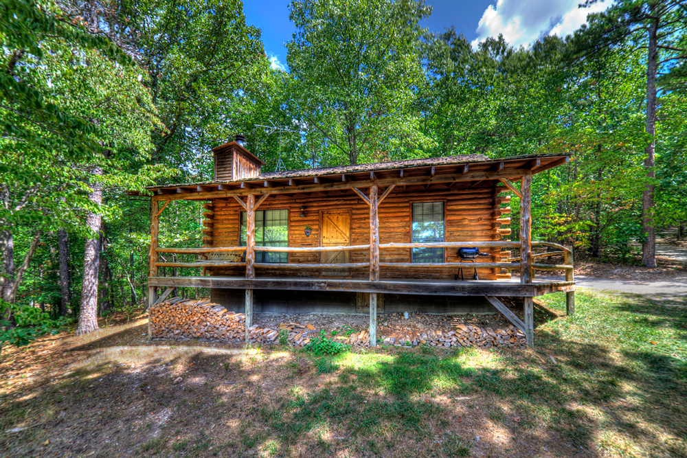 HoneymoonCabin Exterior